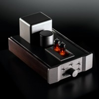 MUSICAL SURROUNDINGS FOSGATE SIGNATURE TUBE HEADPHONE AMPLIFIER